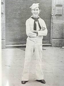 Larry Schwartz, pictured by a sidewalk vendor in Italy, 1944. Photo Courtesy: Larry Schwartz